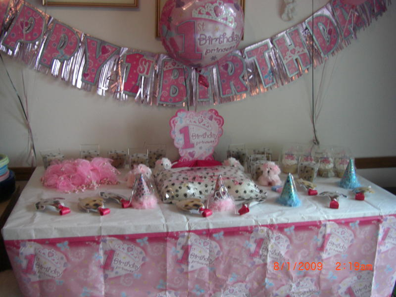 lily's doglovergiftbasket's party table.jpg